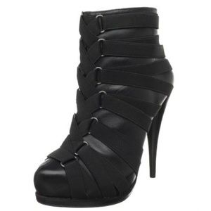STEVEN Caylyn booties with straps size 10